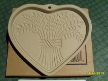 The Pampered Chef Bountiful Heart Stoneware Mold 2933 NIB in Oswego, Illinois